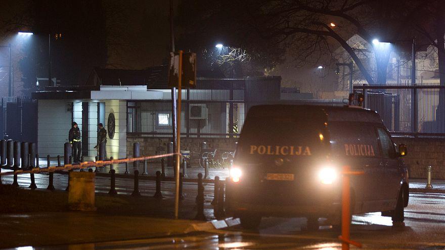 Kézigránátot dobtak az amerikai nagykövetségre Montenegróban
