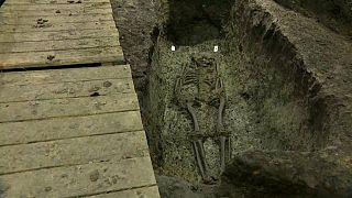 i resti di uno scheletro risalente all'anno 1000