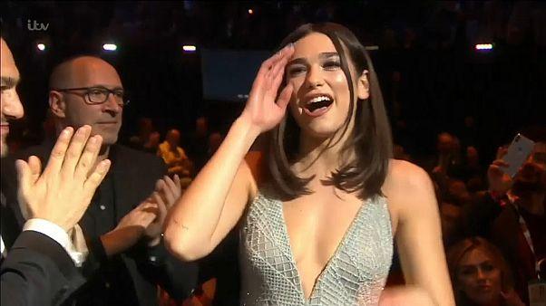 BRIT Müzik Ödülleri: Kosova kökenli Lipa İngiltere'nin en iyisi seçildi