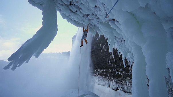 Dani Arnold, suspenso na queda de água gelada