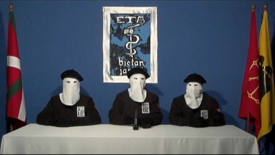 ETA vota sobre su disolución