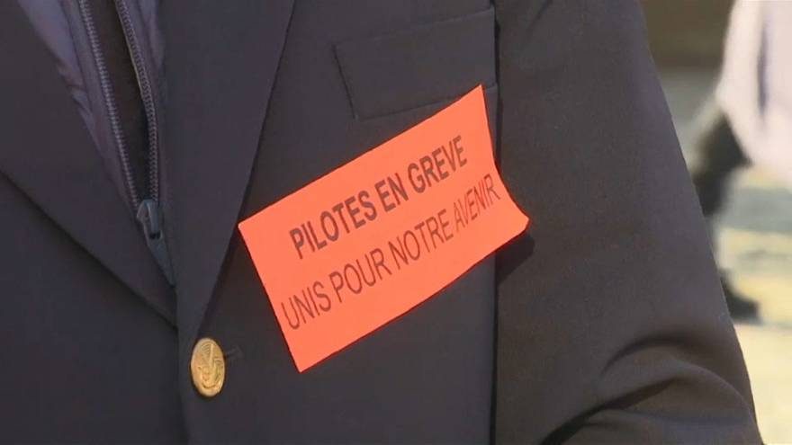 Air France pilots staging 24 hour strike at Charles de Gaulle