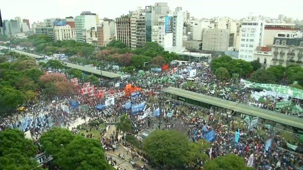 Protestos contra Macri em Buenos Aires