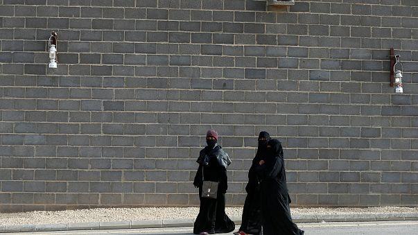السعودية تسمح للنساء بالانضمام إلى الجيش
