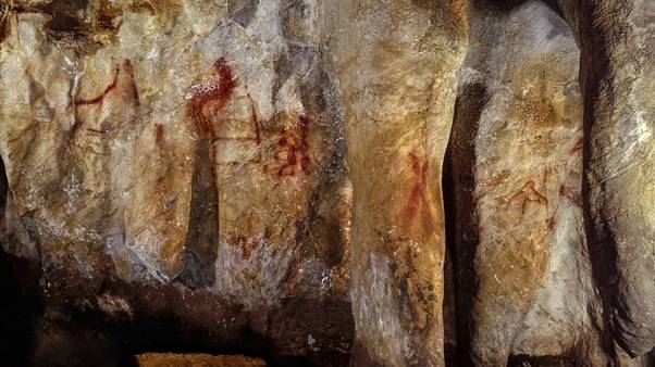 La Pasiega, section C. Cave wall with paintings.