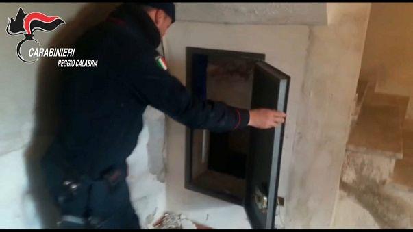 Calabria, carabinieri scoprono 3 bunker per latitanti di ndrangheta