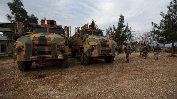 قوات من الجيش السوري الحر مدعومة من تركيا في عفرين