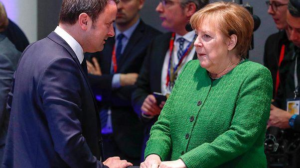 Luxemburgs Premier Bettel im Gespräch mit Angela Merkel