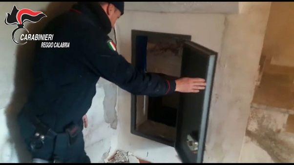 """Polícia italiana descobre """"bunkers"""" da máfia calabresa"""