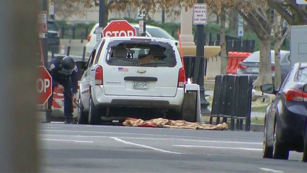 Una furgoneta se estrella frente a la Casa Blanca