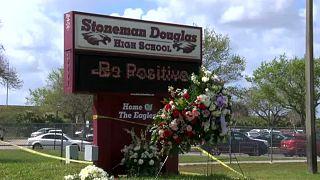 Floridai iskolai lövöldözés: elkezdtek visszatérni a tanárok