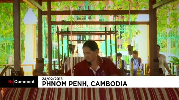 Mais longo cachecol do mundo é do Camboja