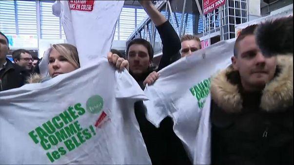 Fransa cumhurbaşkanı yuhalandı