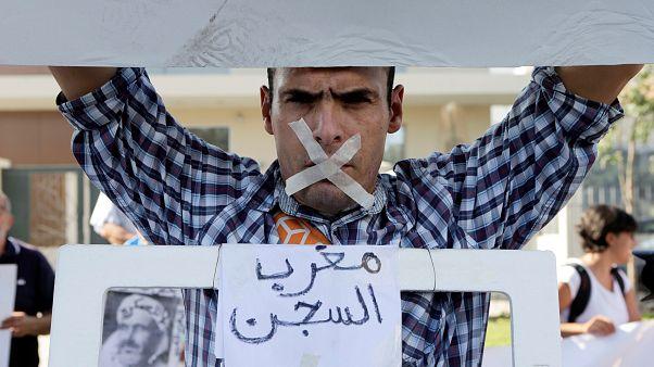صحفيون ومحامون مغاربة ينددون باعتقال بوعشرين.. والعثماني يرفض التعليق