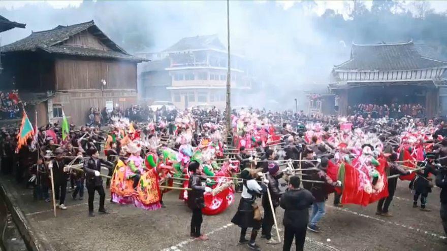 """مهرجان """"حمل البطل"""" في مقاطعة غويجو في الصين"""