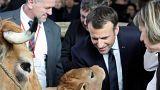 شاهد: نشطاء يستقبلون ماكرون بصيحات الاستهجان أثناء زيارته لمعرض زراعي جنوب باريس