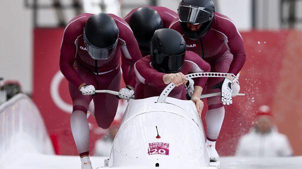Ρώσοι αθλητές σε ΔΟΕ: Αφήστε μας να παρελάσουμε με τη σημαία μας