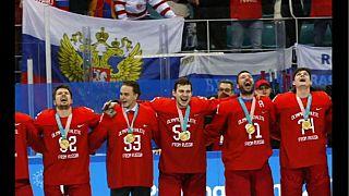 Hockey: Oro alla Russia che canta l'inno sul podio