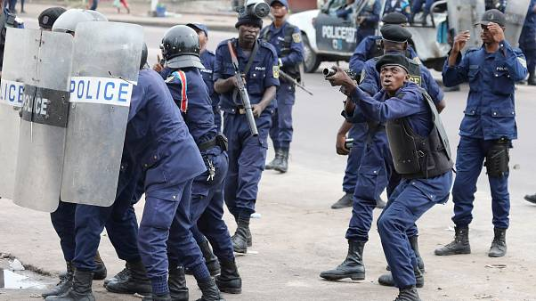 Democratic Republic of Congo: one dead as security forces block protesters
