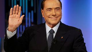 Берлускони снова впереди
