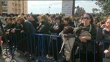 آلاف اليهود المتشددين يتجمعون لوداع أويرباخ