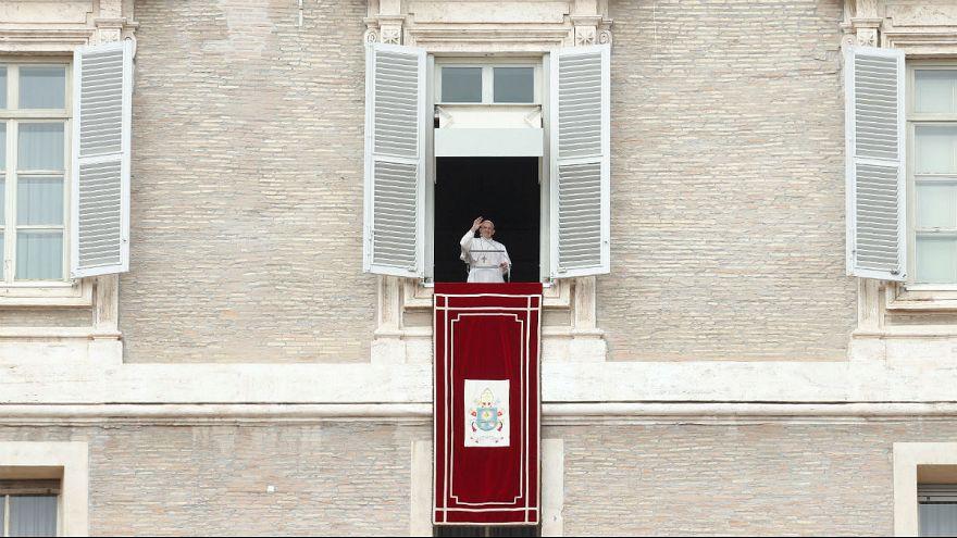 """Ferenc pápa: """"Nem lehet a gonosz ellen egy másik gonosszal harcolni"""""""
