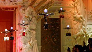 Les drones s'invitent sur les podiums