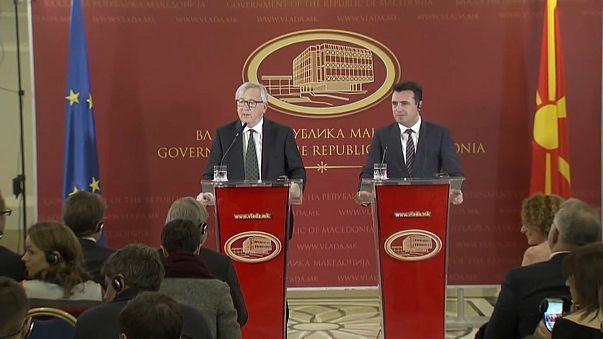 """Juncker pede o fim do conflito sobre o nome """"Macedónia"""""""
