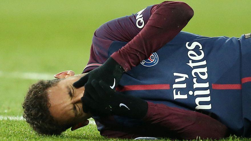 بالصور: إصابة نيمار قد تبعده عن لقاء القمة أمام ريال مدريد