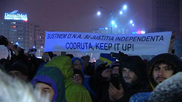 Corruption : des Roumains réclament la démission du ministre de la Justice