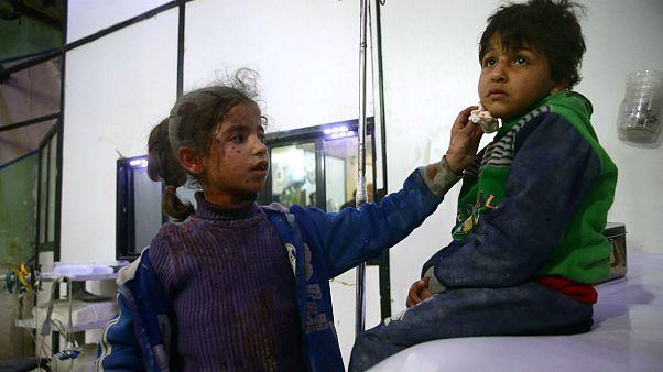 مخالفان از حمله شیمیایی به غوطه خبر می دهند، روسیه می گوید توطئه است