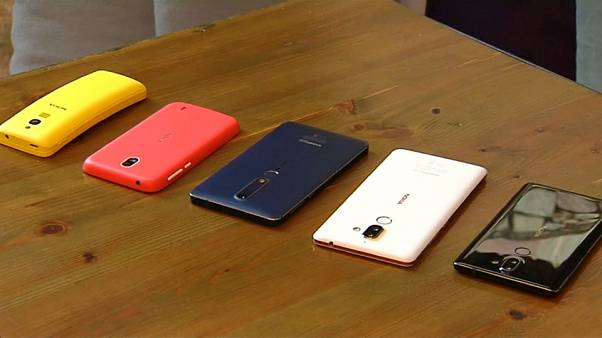 Son model cep telefonları görücüye çıktı