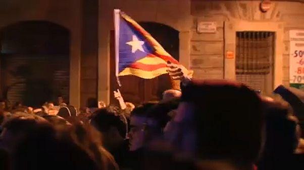 Tüntetők fogadták a királyt Barcelonában