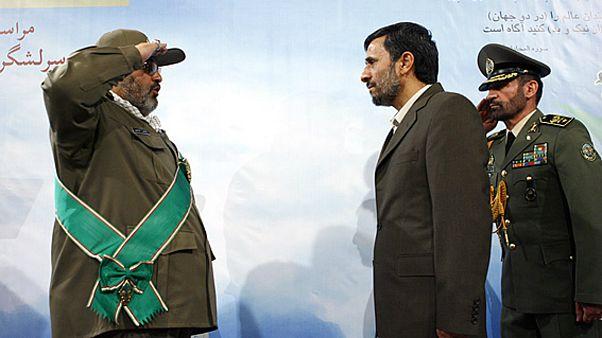 حسن فیروزآبادی در کنار محمود احمدی نژاد در سال ۸۷