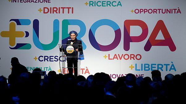 Эмма Бонино на слёте партии