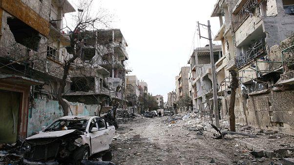 بوتين يأمر بفتح ممر إنساني في الغوطة ..والضربات الجوية تحصد المزيد من أروح المدنيين