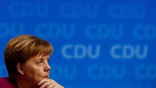 La Cdu di Angela Merkel approva la Grosse Koalition con l'Spd