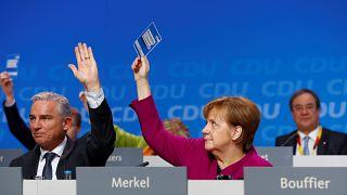 975 Ja, 27 Nein: CDU stimmt für Große Koalition