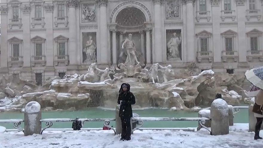 Weiße Dächer in Rom
