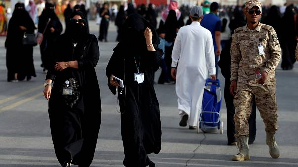 Mulheres sauditas podem alistar-se no Exército