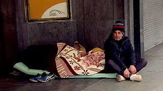 دولت بلژیک برای نجات جان بیخانمانها، آنها را بازداشت میکند