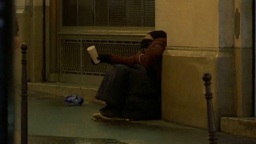 """بروكسل تحتجز المشردين ليلا """"خوفا على حياتهم"""""""