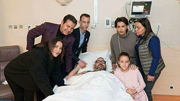 ملك المغرب يجري عملية جراحية في القلب بباريس