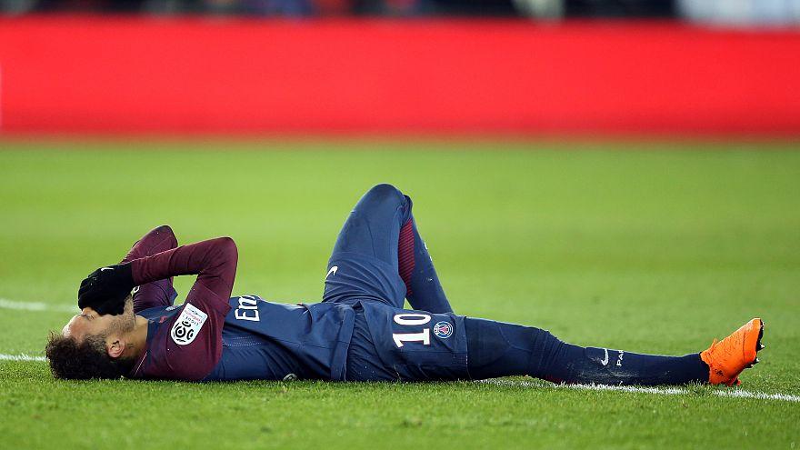 نيمار يغيب عن لقاءات الإياب أمام مرسيليا والريال بسبب كسر في مشط القدم