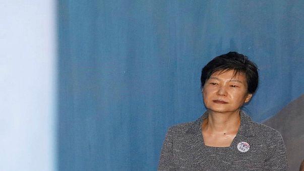 الادعاء يطالب بالسجن 30 عاما لرئيسة كوريا الجنوبية المعزولة