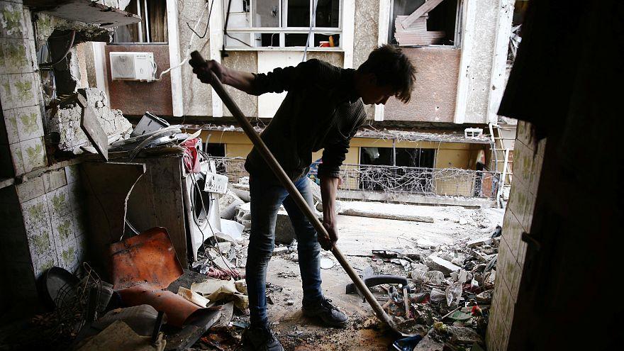 """جيش الإسلام ينفي قصف """"الممر الإنساني"""" أو منع المدنيين من مغادرة الغوطة الشرقية"""