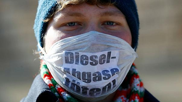 Major cities in Germany can ban heavily-polluting diesel cars, a top German court rules