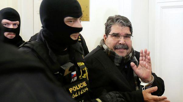 Gericht in Prag ordnet Freilassung von syrischem Kurdenchef Saleh Muslim an