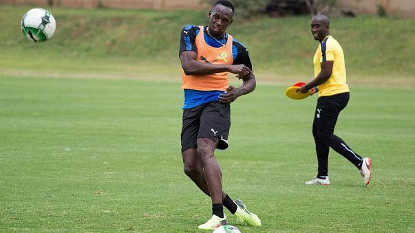 العداء الجامايكي الأسرع في العالم يوسين بولت يتوجه لكرة القدم
