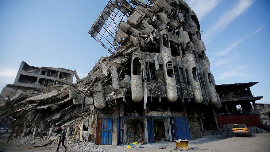 Здание в иракском Мосуле, разрушенное в результате бомбардировок
